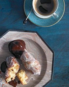 Doughnut Twists Perfectly crisped in oil and coated in sugar, these doughnuts should be served with a silken chocolate-brandy sauce for dipping and a cup of strong coffee. Brandy Sauce Recipe, Sauce Recipes, Cooking Recipes, Donut Recipes, Beignets, Churros, Dessert Crepes, Twisted Recipes, Doughnuts