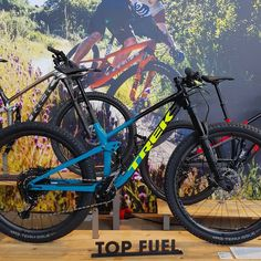 Das neue Top Fuel von ⭐TREK⭐ Bikes auf der Trek World 2020 in Ulm 🚲 @diamantfahrrad @trekbikes @ridebontrager . . . Like ❤ Hashtags #trek… Trek Bikes, Mountain Biking, Bicycle, Vehicles, Ulm, Bike, Bicycle Kick, Bicycles, Car