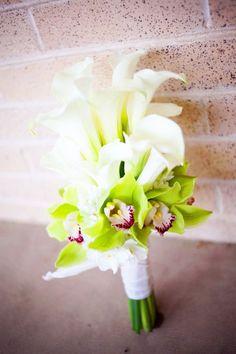 calla lily and orchid bouquet, so classy. Wedding Types, Wedding Advice, Wedding Planning, Event Planning, Wedding Images, Wedding Designs, Wedding Bouquets, Wedding Flowers, Dream Wedding