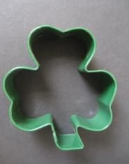 Green Shamrock Cookie Cutter Cookie Cutters, St Patricks Day Cakes, Cake Decorating, Presentation, Display, Cookies, Green, Floor Space