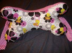 Dog Bone Neck Pillow Pattern | Sewing Ideas | Project on Craftsy: Dog-Bone (shaped) ...