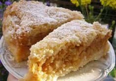 Sypana szarlotka jest wspomnieniem wypieku ciasta pachnącego jabłkami, cynamonem u mojej babci, teraz to tylko pyszne wspomnienia.........SMACZNEGO!!! Polish Cake Recipe, Apple Cake, Delicious Desserts, Cake Recipes, Food And Drink, Cooking Recipes, Sweets, Baking, Teak