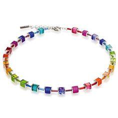 Coeur De Lion Collier necklace rainbow colours regenboog kleuren 3986/10-1500 multicolor rainbow (klein) Deze kleurvolle collier van Coeur De Lion is een tijdloze ketting voor iedere gelegenheid. De acrylglas en polaris kubussen zijn voorzien van mooie kleuren.