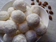 Famózne kokosové guľky rafaelo. Nepečené, vianočné RECEPT Potatoes, Cheese, Vegetables, Cooking, Ethnic Recipes, Food, Basket, Mascarpone, Kitchen
