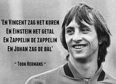 3,248 vind-ik-leuks, 32 reacties - Ajax Showtime (@ajaxshowtimecom) op Instagram: 'Johan zag de bal ⚽️ #johancruijff #14'