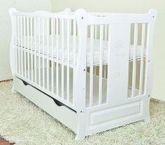 Patutul+multifunctional+Eva++cu++un+design++modern,++atractiv+stil+clasic+din+lemn+de+pin+cu+un+finisaj+retro.++++Patul+poate+fi+usor+transformat+intr-un+pat+junior+si+apoi+intr-o+canapea+spectaculoasa... Best Changing Table, Baby Cribs, Multifunctional, Retro, Modern, Furniture, Design, Home Decor, Tables