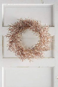 a shiny copper Christmas wreath is an ultimate idea for bright and edgy Christmas decor Copper Christmas, Christmas Rose, Shabby Chic Christmas, All Things Christmas, Christmas Holidays, Christmas Wreaths, Christmas Crafts, Rose Gold Ornaments Christmas, Christmas 2018 Trends