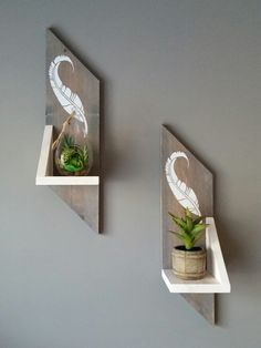 Design on shelves bedrooms, closets, walls, shelves, furnish Plant Shelves, Wood Shelves, Floating Shelves, House Plants Decor, Plant Decor, Wall Shelves Design, Wall Design, Wood Crafts, Diy And Crafts