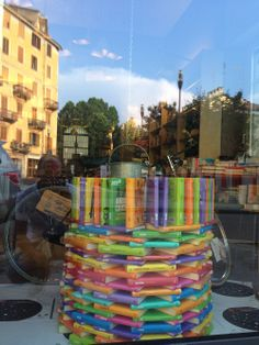 La vetrina della libreria il Ponte sulla Dora per #lettidinotte14
