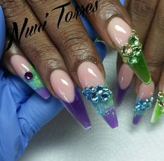 Hybrid nails by @nunis_nails