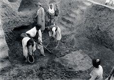 Agatha Christie supervising workmen during excavations at Chagar Bazar on the upper Khabur River in northeast Syria, 1935-1937. ...