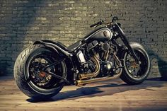 HARLEY SOFTAIL SLIM VIRA ''CROWNED STALLION'' - ... And This is Reality