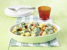 Probieren Sie das leckere Gnocchi-Brokkoli-Gratin von EAT SMARTER oder eines unserer anderen gesunden Rezepte!
