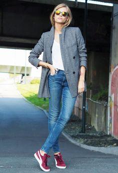 Blazer + T-Shirt + Jeans