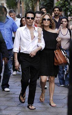 Jennifer Lopez wearing TORY BURCH Alexis gladiator sandals Hermes Shiny Crocodile Birkin Bag in Miel Lanvin Saratoga Sunglasses