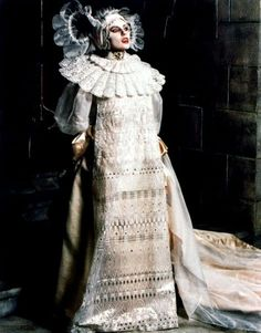 Lucy in her wedding' burial gown <3
