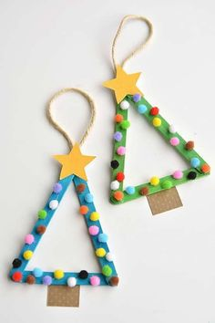 Easy Christmas Kids Crafts that Anyone Can Make!-Easy Christmas Kids Crafts that Anyone Can Make! Easy Christmas Kids Crafts that Anyone Can Make! Stick Christmas Tree, Christmas Tree Ornaments, Christmas Diy, Christmas Cactus, Popsicle Stick Christmas Crafts, Ornaments Ideas, Homemade Christmas, Xmas Tree, Hygge Christmas
