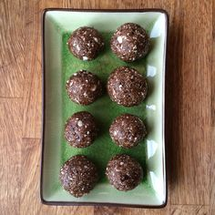 Fra jord til bord: Hjemmelagde probiotiske lakriskuler Muffin, Cookies, Chocolate, Breakfast, Sweet, Desserts, Crack Crackers, Morning Coffee, Candy