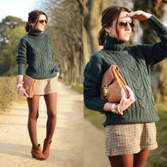 brown plaid shorts, green knit sweater, brown tights and flat ankle boots outfit Winter Boots Outfits, Casual Winter Outfits, Fall Outfits, Summer Outfits, Cute Outfits, Outfit Winter, Boot Outfits, Fashion Outfits, Skirts With Boots