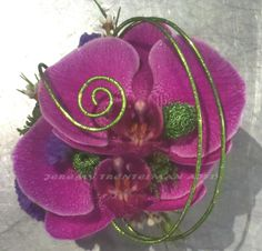 I love these two colors together and the wire accent. Wrist Corsage Jeremy Trentelman AIFD