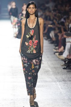 Dries Van Noten Spring 2014 Ready-to-Wear Collection Slideshow on Style.com