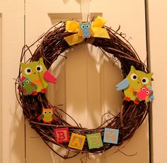 Owl Baby Shower Wreath - cute decoration for your baby shower!