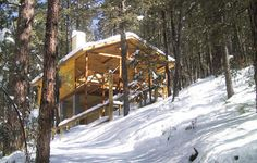 Ruidoso rental cabin, located in a secluded corner of scenic Upper Canyon.  http://www.ruidosocabins.com/hidden-canyon-1brwp.htm