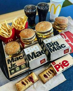 McDonald's Burger Platter with Cherry pie .Tag to share Leave your comments . I Love Food, Good Food, Yummy Food, Sleepover Food, Food Porn, Junk Food Snacks, Food Goals, Foodblogger, Aesthetic Food