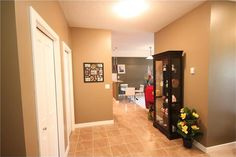 #204 1005b Westmount Dr, Strathmore Property Listing: MLS® #C4022975