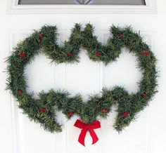 Decorate your home for Christmas and show your nerd alliances at the same time with this DIY Batman Holiday Wreath. Homemade wreaths make your home look welcoming and they're the first thing your guests see when they arrive. Magical Christmas, All Things Christmas, Holiday Fun, Holiday Crafts, Christmas Holidays, Christmas Wreaths, Christmas Ideas, Outdoor Christmas, Diy Christmas Yard Decorations