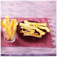 Tyčinky z listového těsta se sýrem  http://www.tescorecepty.cz/recepty/detail/155-tycinky-z-listoveho-testa-se-syrem