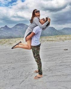 Filipino, Bff Pictures, Bff Pics, Daniel Johns, Queen Of Hearts, Blue Hearts, Daniel Padilla, Couple Photoshoot Poses, John Ford