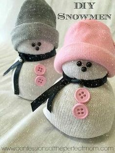 DIY- Sock Snowman (Snowmen) Crafts OMG these are so cute and so diy winter crafts for kids - Kids Crafts Winter Crafts For Kids, Christmas Crafts For Kids, Christmas Projects, Simple Christmas, Holiday Crafts, Christmas Snowman, Cute Christmas Diy Gifts, Crafts For Gifts, Christmas Decorations Diy Easy