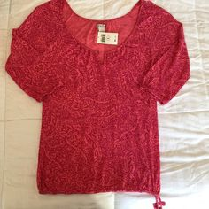 """Lucky Brand Top small New with tags Coral I have sewn the extra button sewn onto the neckline so now it is a cute keyhole neckline. it is too small for me!  18"""" pit to pit 25"""" long 3/4 sleeves. Lucky Brand Tops Blouses"""