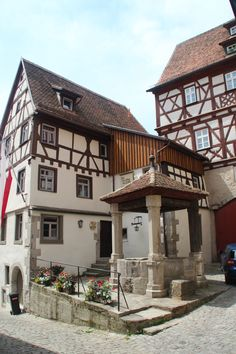 Beautiful house in Rothenburg + Germany German Architecture, Architecture Details, France Travel, Germany Travel, Kitzingen Germany, Beautiful Buildings, Beautiful Homes, Rothenburg Germany, German Houses