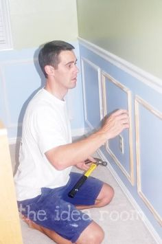 Faux Wainscoting - Inexpensive & easy peasy!