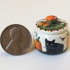 KARRY JOHNSON IGMA Artisan Miniature painting wood pot BLACK CAT,BATS,PUMPKINS 2 Bats, Pumpkins, Folk Art, Artisan, Miniatures, Tableware, Wood, Painting, Dinnerware