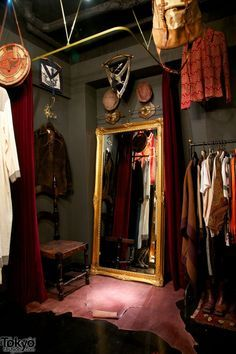 actor backstage dressing room - Google Search | Theatre ...