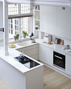 Small Kitchen Designs Inspiring Small Modern Kitchen Design Ideas 17 - There are so many people that like ultra-modern things and as such want a kitchen that fits in with this […] Small Modern Kitchens, Small Space Kitchen, Kitchen Sets, Home Decor Kitchen, Interior Design Kitchen, New Kitchen, Cool Kitchens, Kitchen Modern, Awesome Kitchen