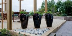 SYMMETRI: EN hagedesigner vil kunne gi deg mange pekepinner på hvordan du kan gjøre hagen finere.