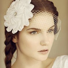 Origami inspired veil bridal hat by MAGGIE MOWBRAY #HatAcademy #millinery