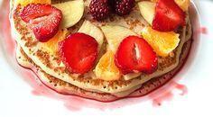 Low-Carb Pfannkuchen mit Früchten