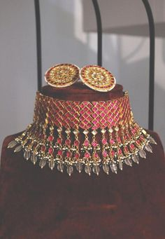Ruby Red Stones Gold Plated Kundan Polki Bridal Indian Choker Necklace Set with Round studs Earrings embellished with mint stones and pearls Fancy Jewellery, Gold Jewellery Design, Antique Jewellery, Jewellery Earrings, Stylish Jewelry, Gold Earrings, Mom Jewelry, Bridal Jewelry, Jewelery
