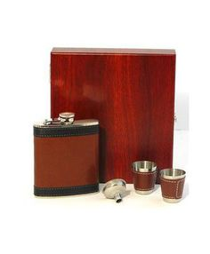 Cherry Tree Country Clothing - Two Tone Hip Flask Gift Set, £24.50 (http://www.cherrytreecountryclothing.com/two-tone-hip-flask-gift-set/)
