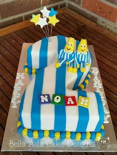 Bananas in pyjamas cake - Birthday Cake Vanilla Ideen Number 1 Birthday Cake Boy, Elmo Birthday Cake, Pajama Birthday Parties, Minnie Mouse Birthday Cakes, First Birthday Cake Topper, Sons Birthday, Birthday Ideas, Cake Wrecks, Wood Cake