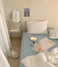 Dream Rooms, Dream Bedroom, Room Ideas Bedroom, Bedroom Decor, Korean Bedroom Ideas, Decor Room, Bedroom Inspo, Bedroom Wall, Pastel Room
