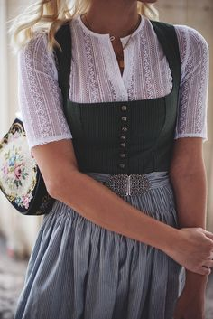 Dirndl 2018 - Ludwig & Therese - The Skinny and the Curvy one - Every year, I can& wait until the Oktoberfest finally starts again! New Fashion, Trendy Fashion, Fashion Outfits, Womens Fashion, Ludwig Therese, Outfits For Teens, Cute Outfits, Oktoberfest Outfit, Dirndl Dress