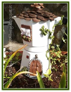 The most unusual way of using a coffee mocha machine, modified and adapted in structure and color, full of details, customizable.  This sweet version
