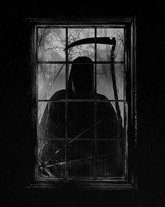 Who knew the grim reaper was a peeping Tom? Grim Reaper Art, Don't Fear The Reaper, Dark Fantasy Art, Dark Art, Fall Inspiration, Angel Of Death, The Grim, Gothic Art, Samhain
