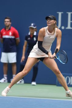 Maria Sharapova Tennis without Panties Maria Sharapova Hot, Sharapova Tennis, Maria Sarapova, Tennis Pictures, Tennis Players Female, Girls Golf, Poses References, Tennis Fashion, Sport Tennis
